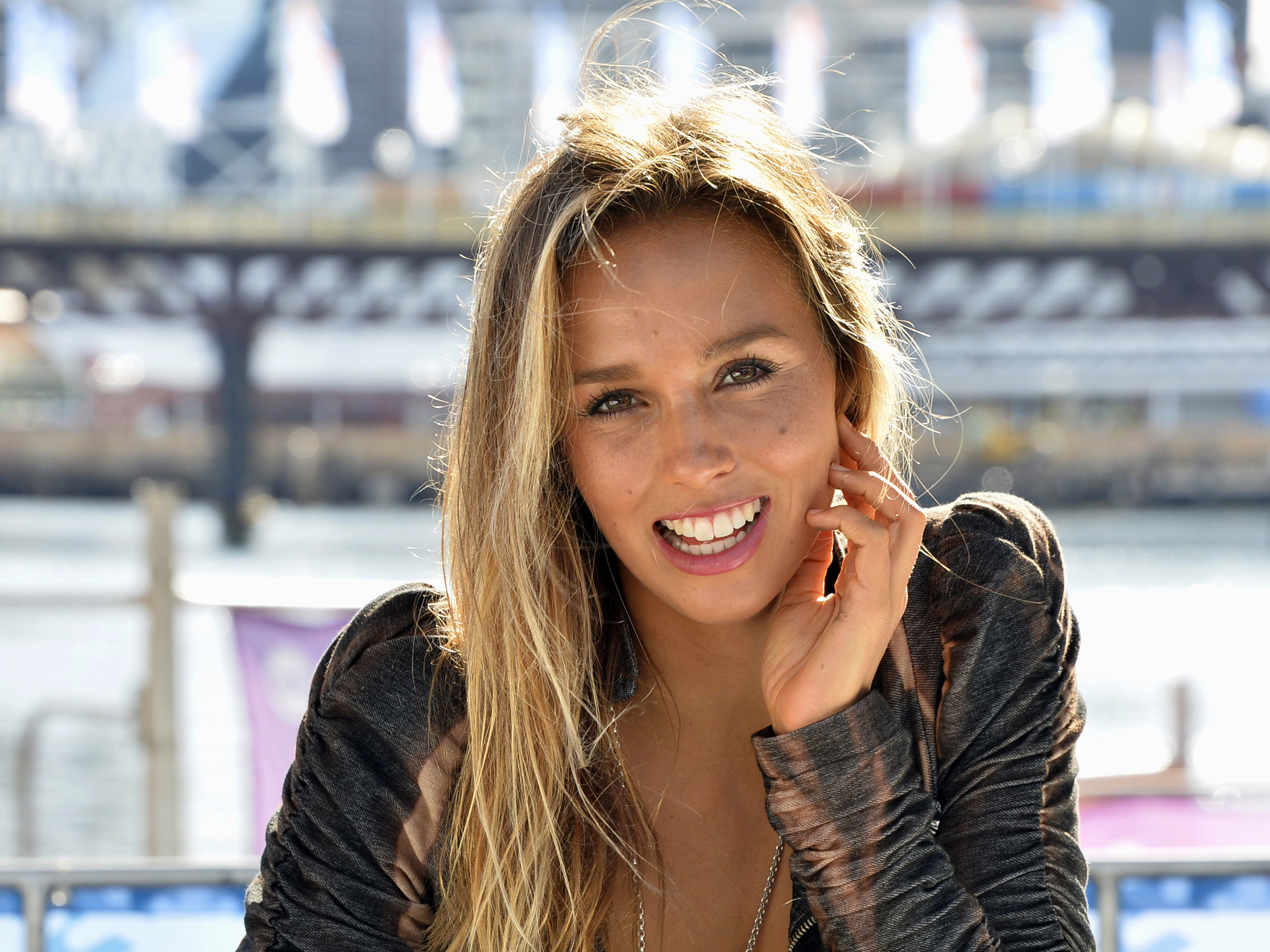 Lets Get To Know Sally Fitzgibbons One Of The Best Female
