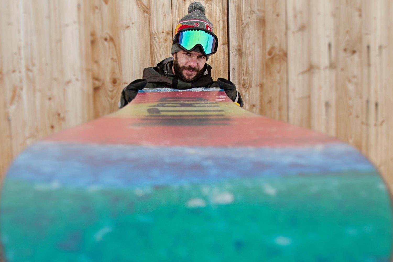markus-keller-mit-seinem-swallowtail-board-bei-den-burton-european-open-2015-in-laax-schweiz