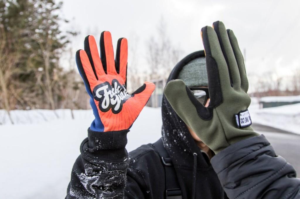 pow_gloves-1